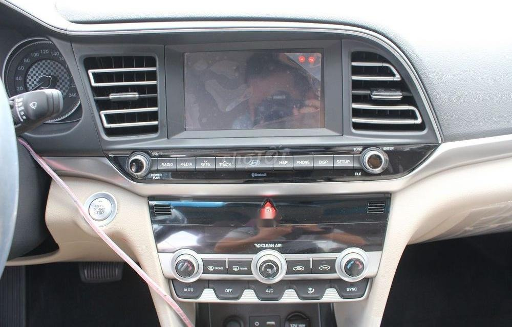 Bán xe Hyundai Elantra 1.6AT sản xuất 2019, giá tháp, giao nhanh (4)