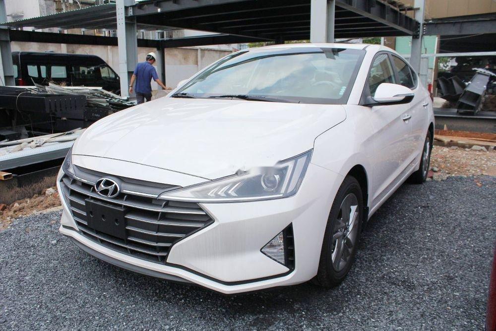 Bán xe Hyundai Elantra 1.6AT sản xuất 2019, giá tháp, giao nhanh (2)