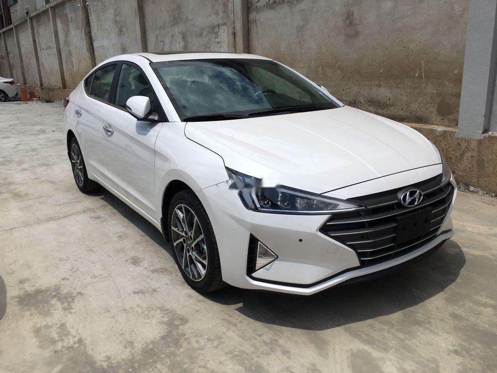 Bán xe Hyundai Elantra 1.6AT sản xuất 2019, giá tháp, giao nhanh (1)