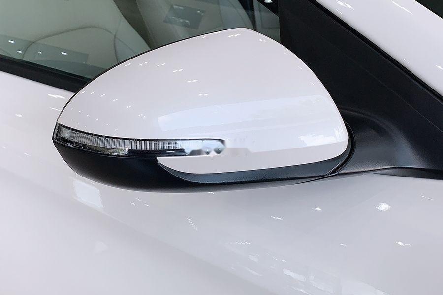 Bán Hyundai Elantra 1.6 MT đời 2019, giao xe ngay (4)