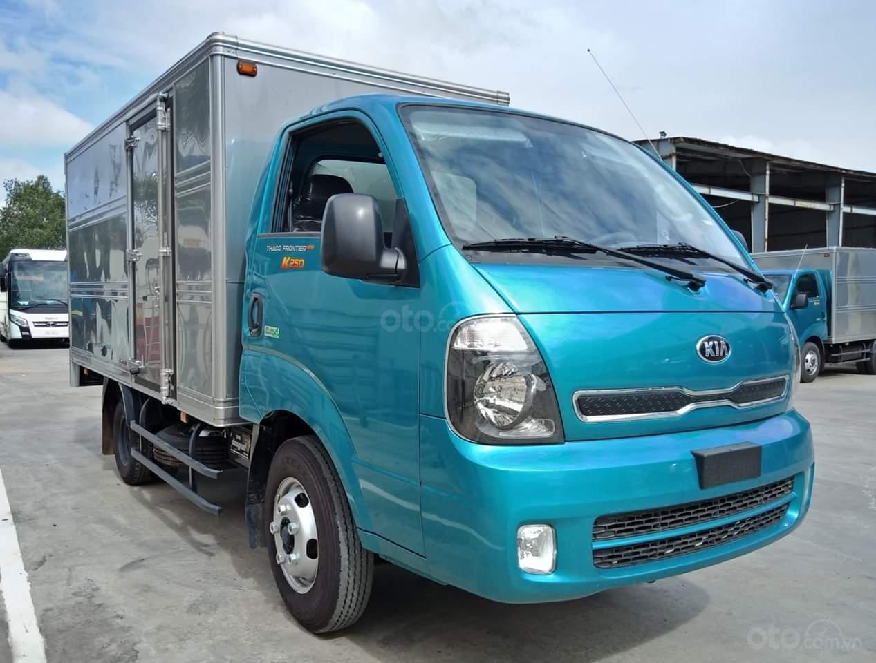 Bán xe tải trả góp Kia K250 máy Hyundai tải 2,49 tấn, có máy lạnh sẵn. Xe có lấy liền tại Thuận An - Bình Dương (1)
