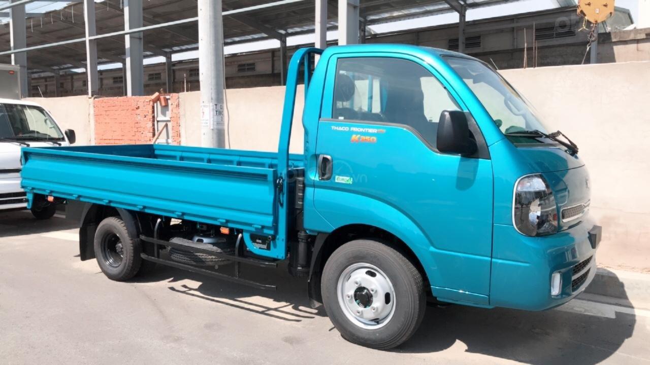 Bán xe tải trả góp Kia K250 máy Hyundai tải 2,49 tấn, có máy lạnh sẵn. Xe có lấy liền tại Thuận An - Bình Dương (7)