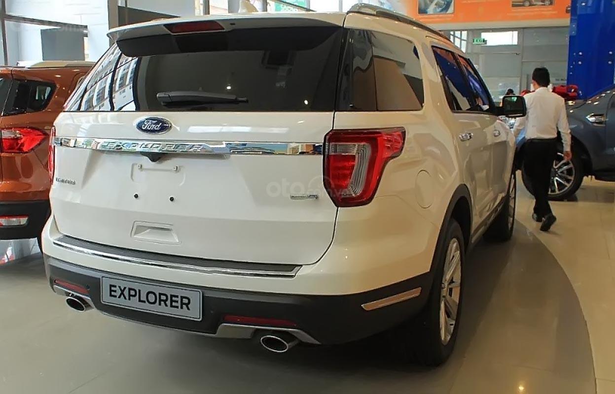 Bán Ford Explorer Limited 2.3L EcoBoost đời 2019, màu trắng, nhập khẩu nguyên chiếc (2)