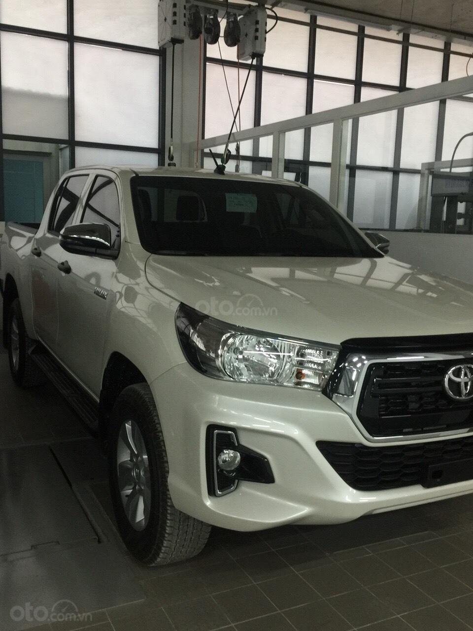 Toyota Hilux 2019 nhập khẩu - đủ màu giao ngay, giảm giá sốc và nhiều quà tặng giá trị. LH 097504019 (4)