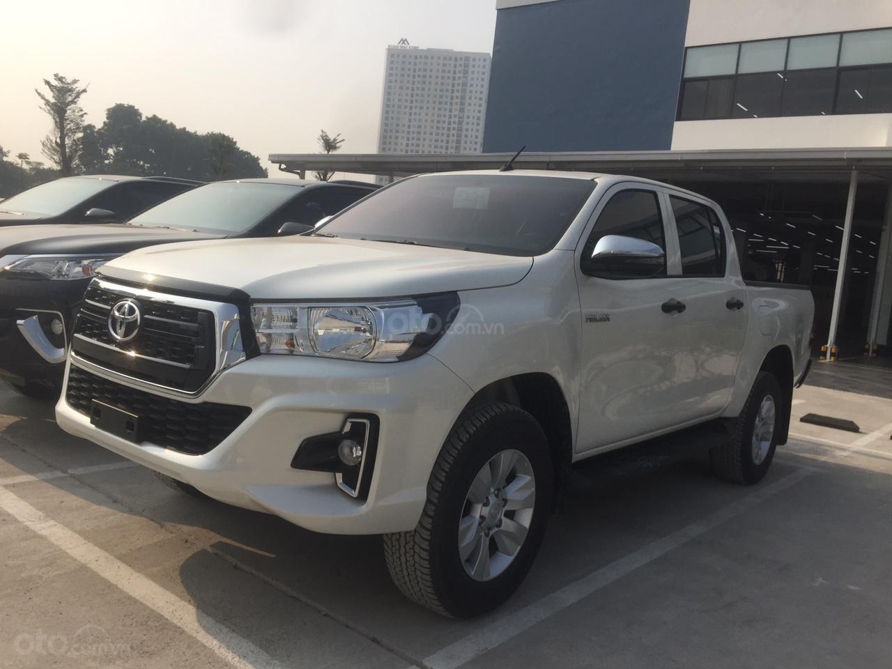 Toyota Hilux 2019 nhập khẩu - đủ màu giao ngay, giảm giá sốc và nhiều quà tặng giá trị. LH 097504019 (10)