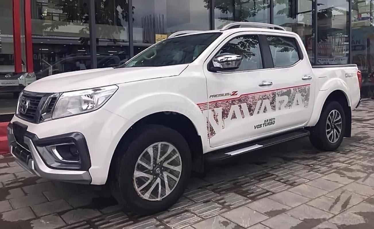 Bán Nissan Navara EL 2.5 AT 2WD năm 2019, màu trắng, xe nhập, giá chỉ 645 triệu (4)