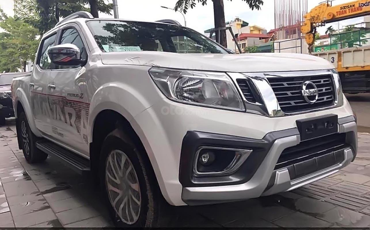 Bán Nissan Navara EL 2.5 AT 2WD năm 2019, màu trắng, xe nhập, giá chỉ 645 triệu (1)