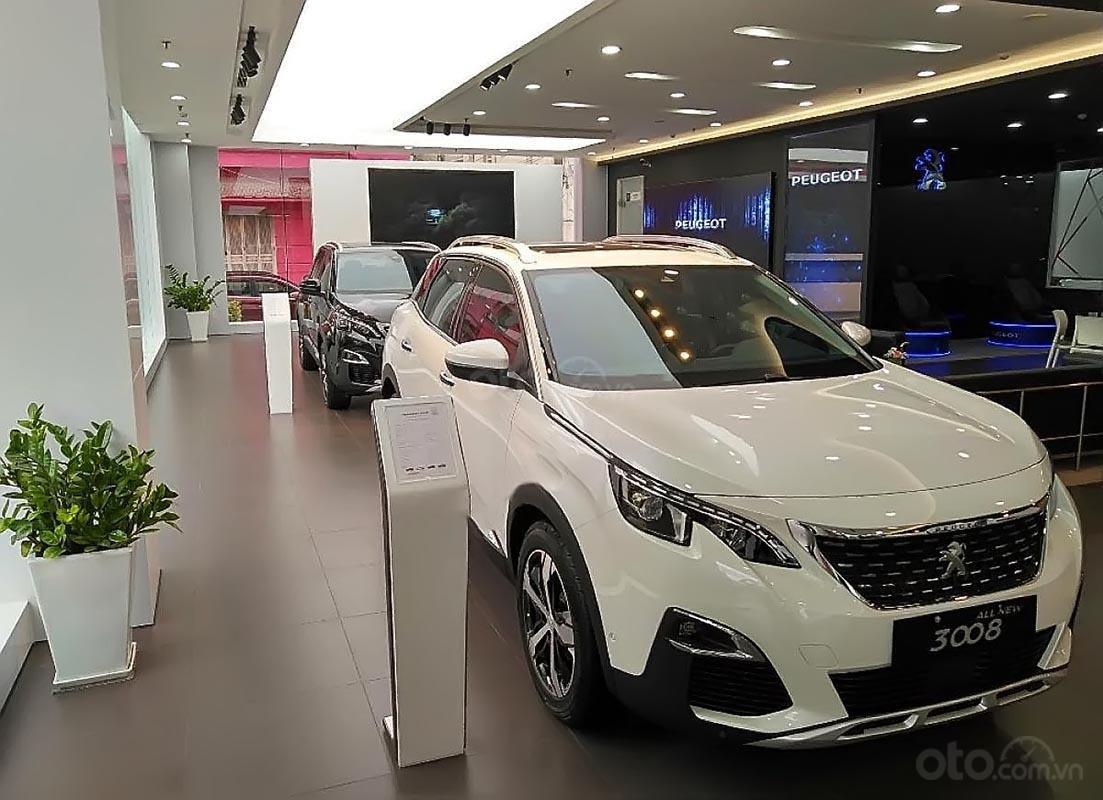 Bán xe Peugeot 3008 sản xuất 2019, màu trắng (1)