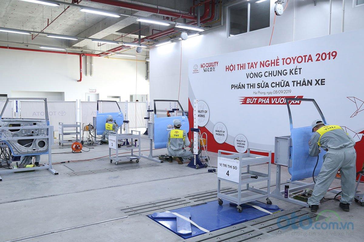 Hội thi tay nghề Toyota 2019 - phần thi sửa chữa thân xe.