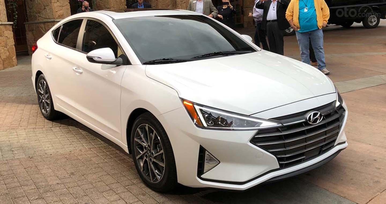 Bán xe Hyundai Elantra 2019 có sẵn, giảm ngay 20Tr tiền mặt và tặng dán phim chính hãng (4)