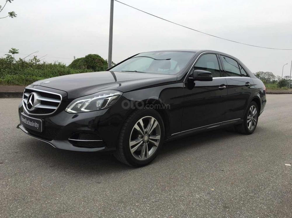 Bán xe Mercedes E250 màu đen model 2014 cũ giá tốt, trả trước 400 triệu nhận xe ngay (4)