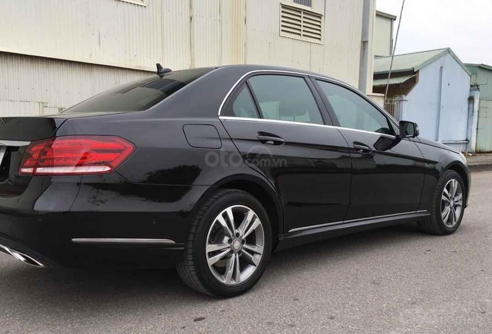 Bán xe Mercedes E250 màu đen model 2014 cũ giá tốt, trả trước 400 triệu nhận xe ngay (9)
