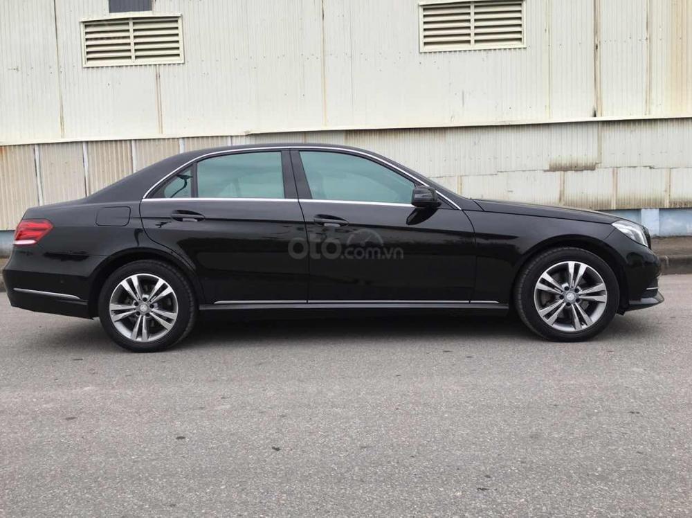 Bán xe Mercedes E250 màu đen model 2014 cũ giá tốt, trả trước 400 triệu nhận xe ngay (5)