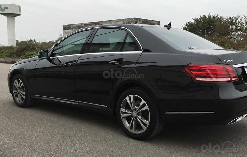 Bán xe Mercedes E250 màu đen model 2014 cũ giá tốt, trả trước 400 triệu nhận xe ngay (10)