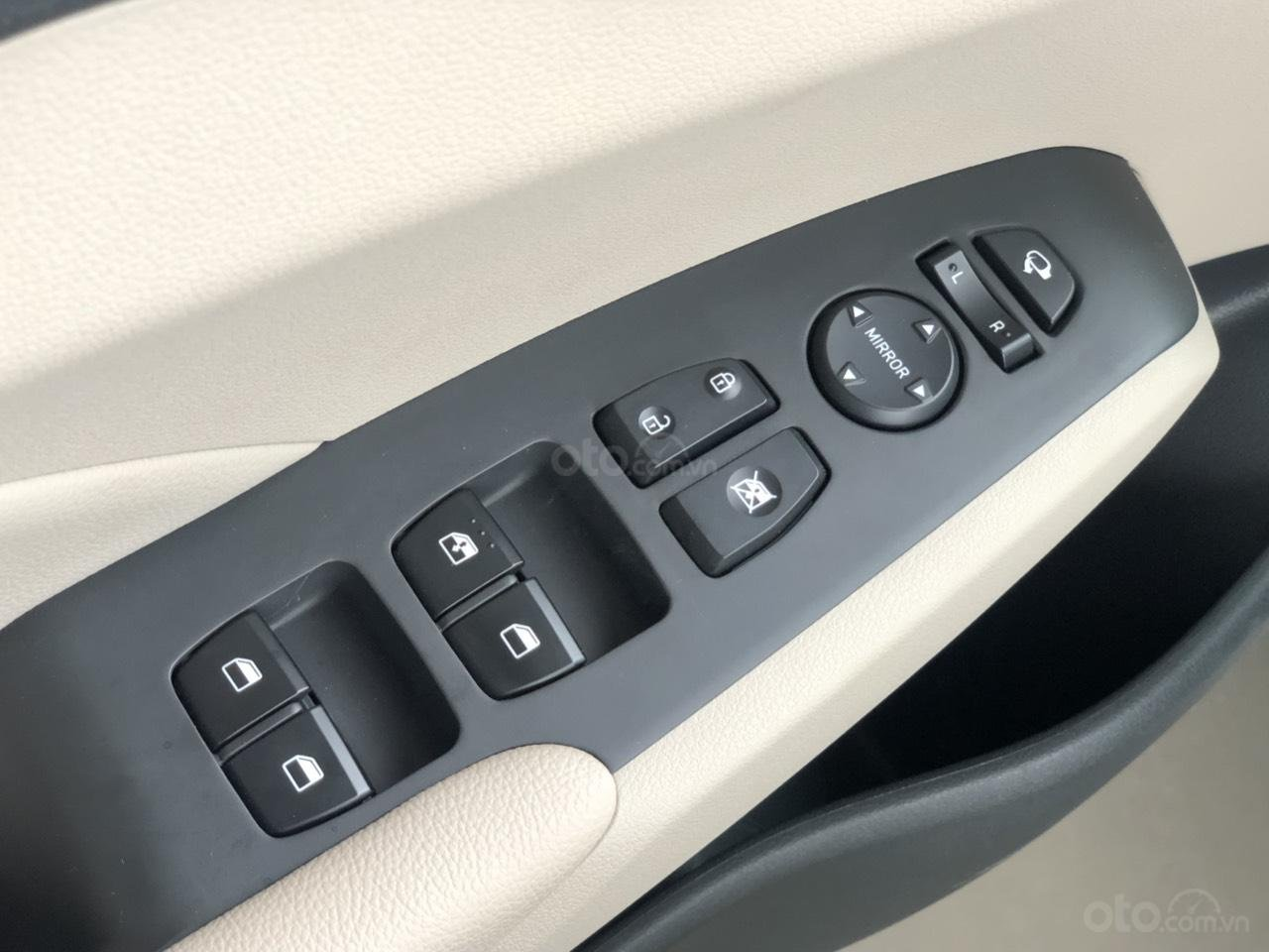 Bán Hyundai Accent 2019 - Giá tốt - xe sẵn - Bank bao đậu (10)