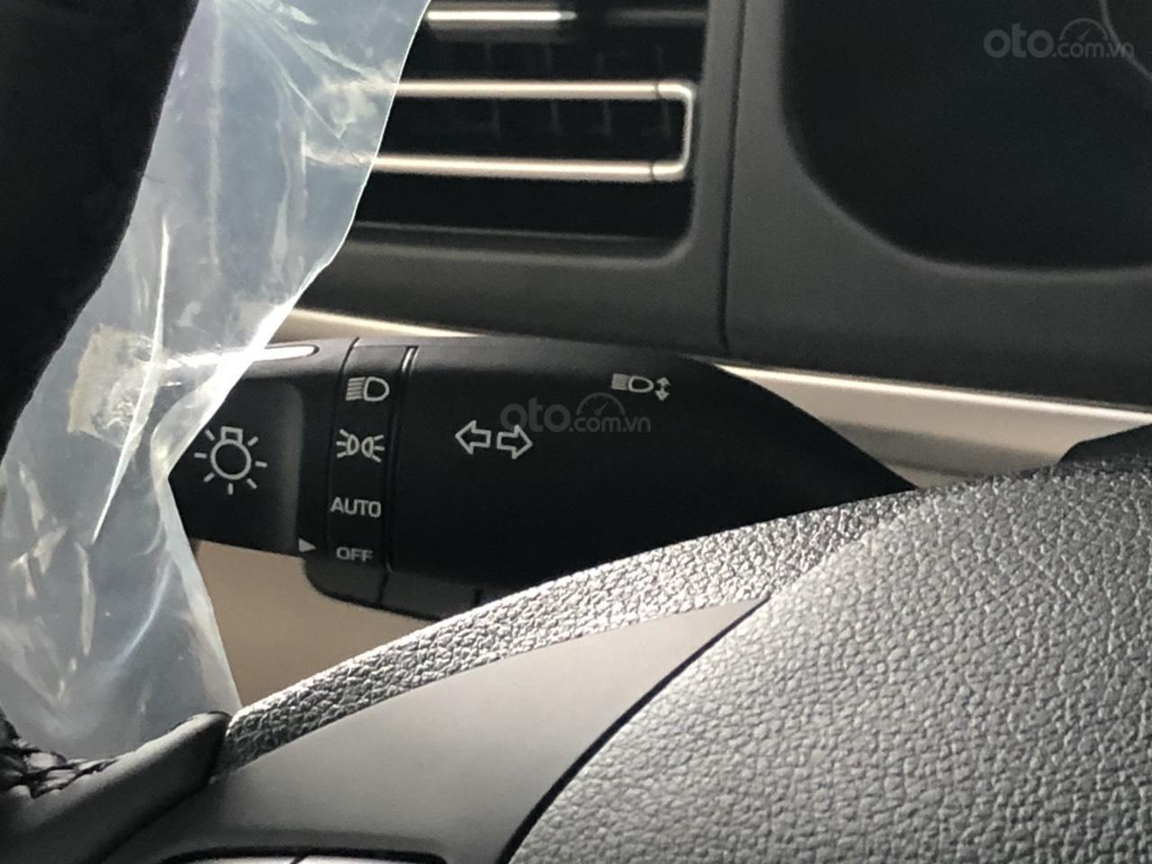 Hyundai Elentra 2019 - Giá tốt - Xe sẵn - Bank bao đậu (13)