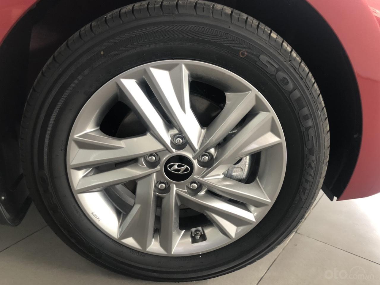 Hyundai Elentra 2019 - Giá tốt - Xe sẵn - Bank bao đậu (14)