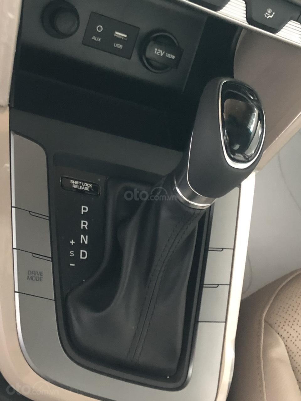 Hyundai Elentra 2019 - Giá tốt - Xe sẵn - Bank bao đậu (18)