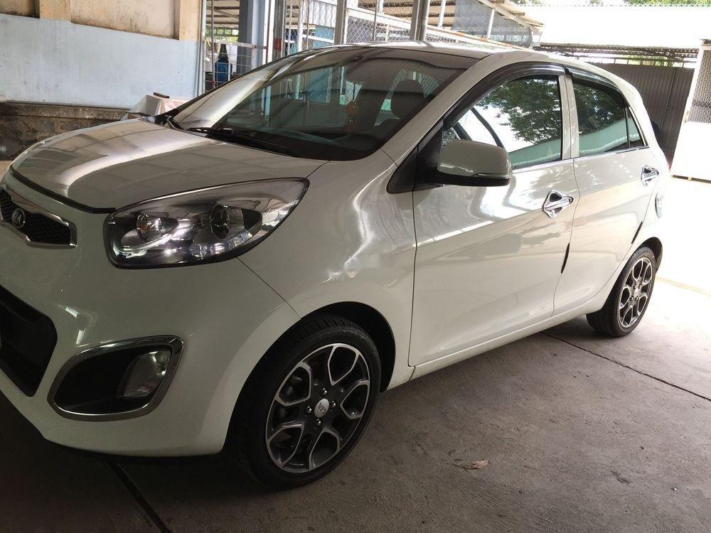 Cần bán Kia Picanto năm 2014, màu trắng số tự động (2)