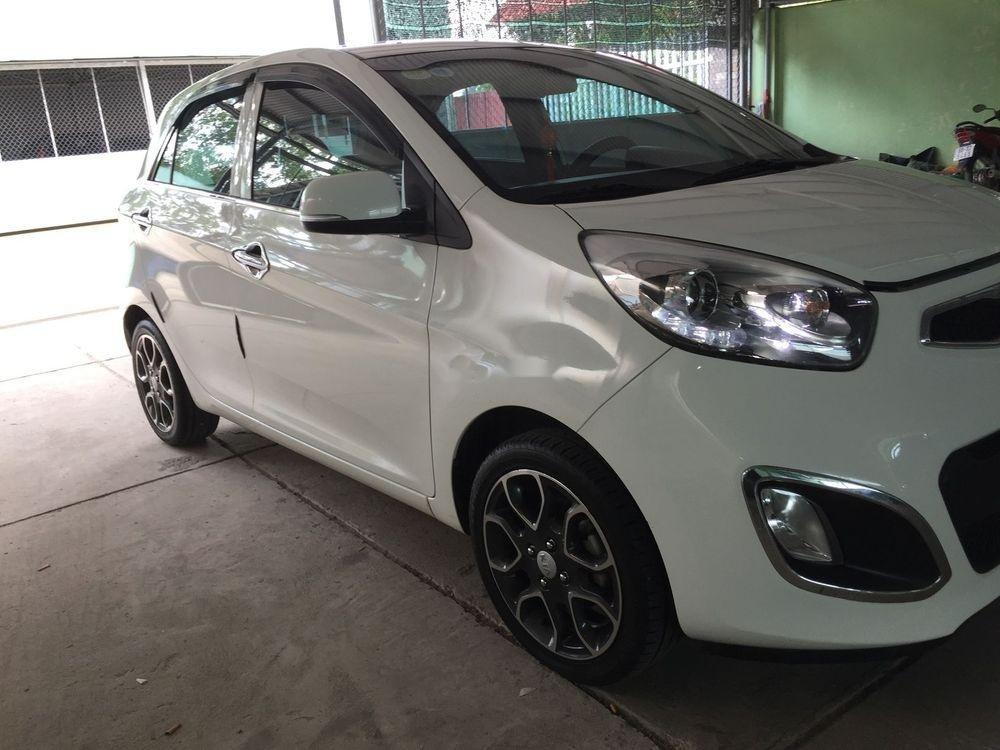 Cần bán Kia Picanto năm 2014, màu trắng số tự động (3)