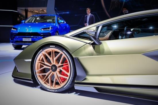 Siêu xe Hybrid Lamborghini Sian trình làng tại Frankfurt Motor Show 2019 a20