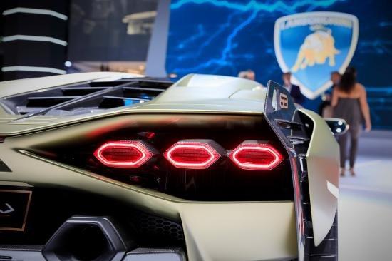 Siêu xe Hybrid Lamborghini Sian trình làng tại Frankfurt Motor Show 2019 a21