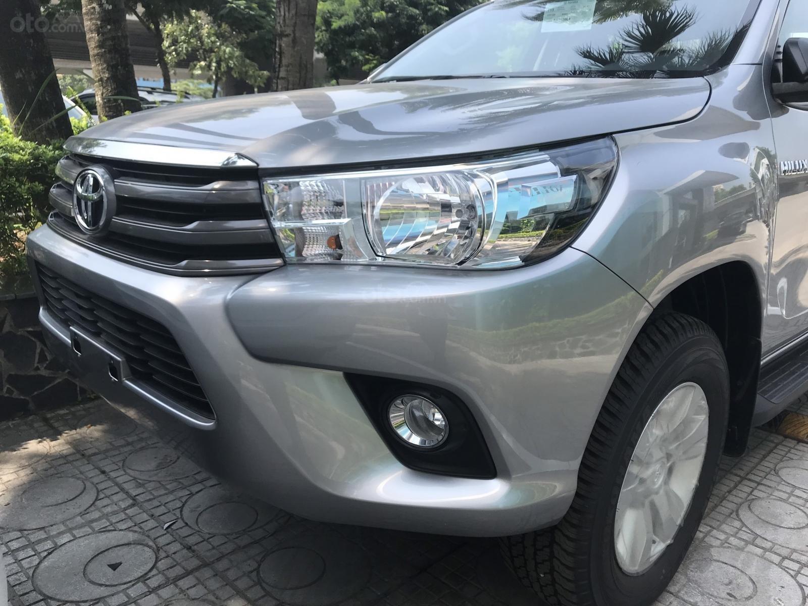 Mua bán Toyota Hilux giá rẻ nhất, giảm ngay tiền mặt, tặng phụ kiện, hỗ trợ trả góp 80%, LH: 097 698 7767 (10)