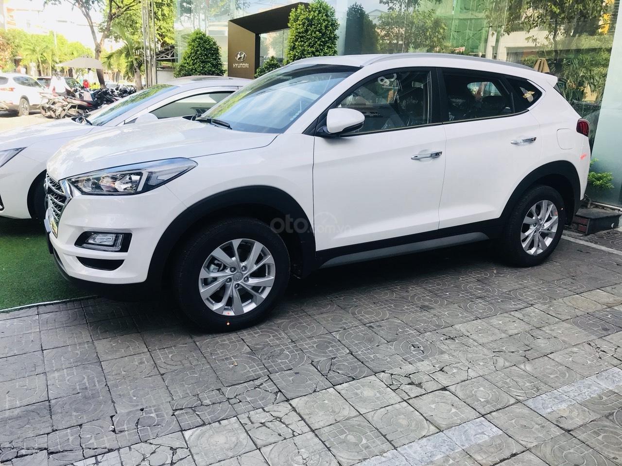 [Sốc] Khuyến mãi sập sàn lên đến 20tr với Hyundai Tucson 2019, hotline: 0974 064 605 (4)