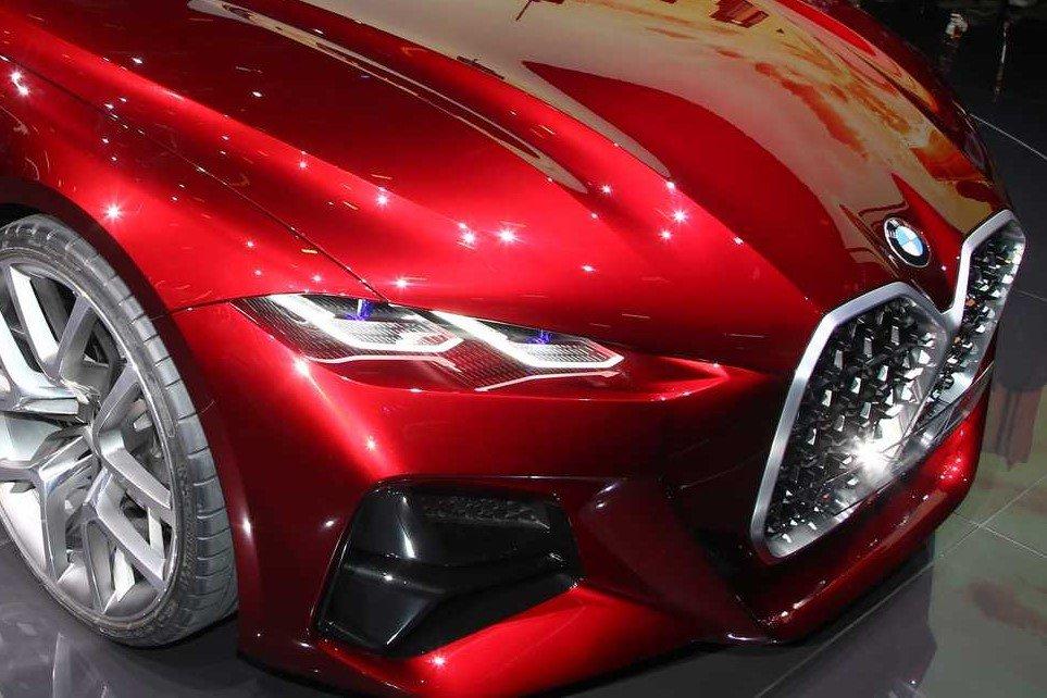 BMW concept 4 sở hữu đèn pha laser ấn tượng.