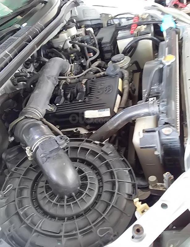 Bán xe Toyota Innova đời 2013, lên form 2015, màu bạc-3