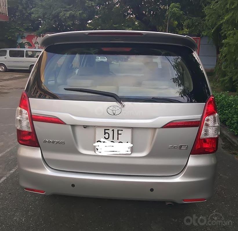 Bán xe Toyota Innova 2.0E năm 2015, màu bạc  (2)