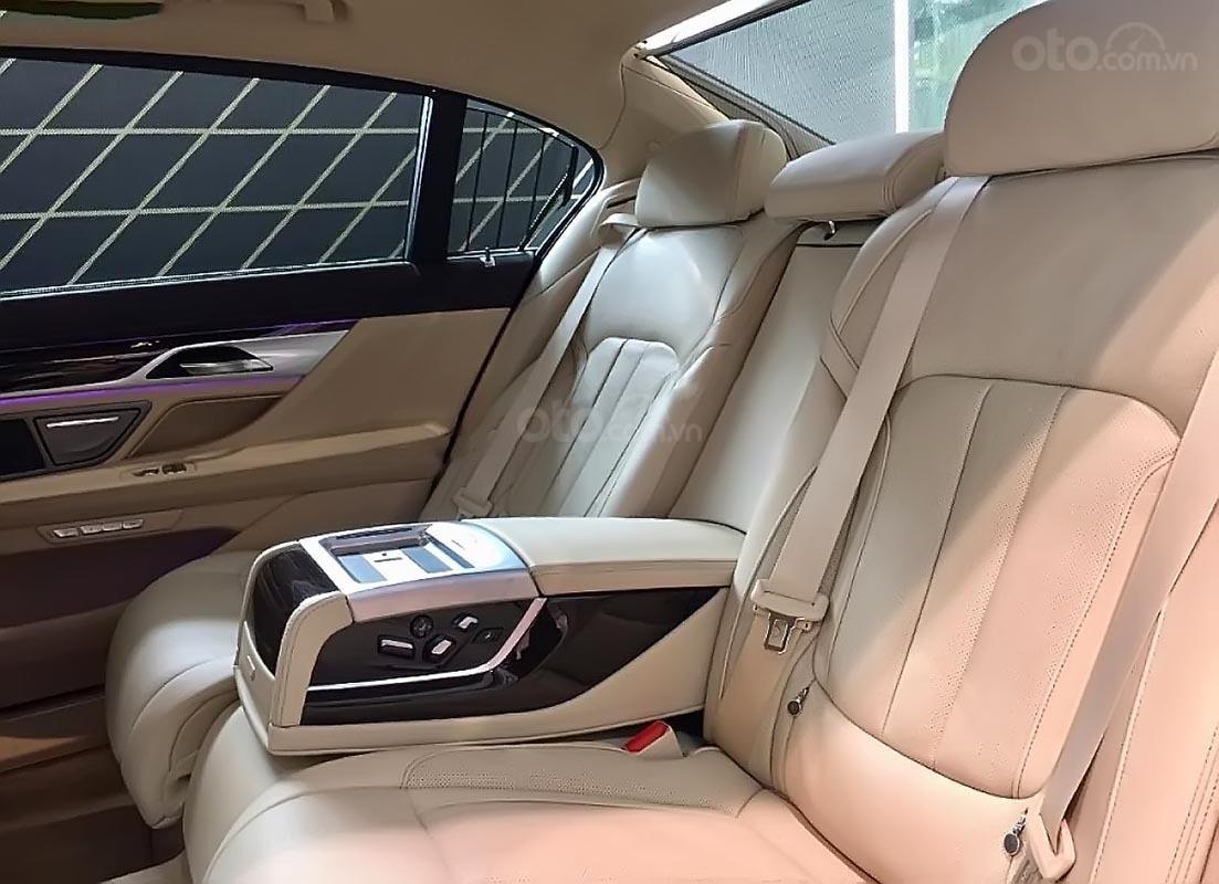 Bán ô tô BMW 730Li năm 2018, màu đen, nhập khẩu nguyên chiếc (5)