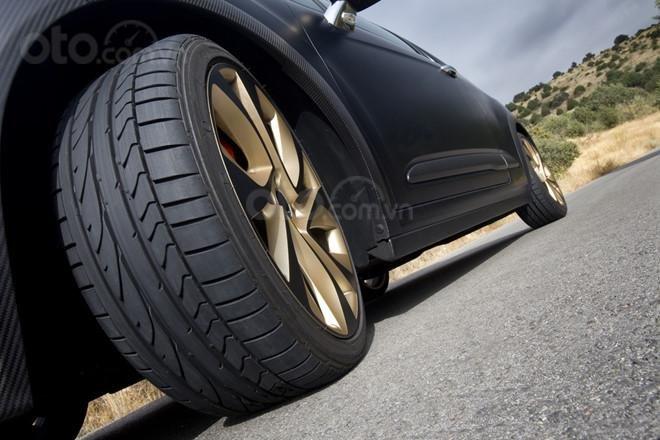 Hướng dẫn chi tiết mua lốp xe từ A đến Z.