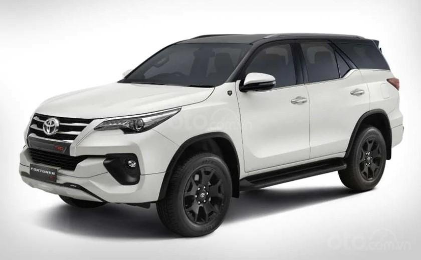 Đầu xe Toyota Fortuner TRD Celebratory Edition 2019.