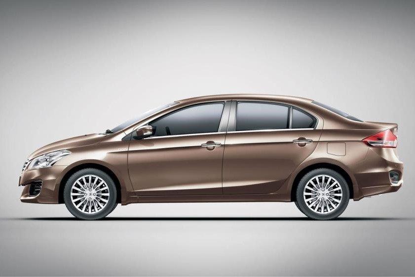 So sánh xe Hyundai Accent 2019 và Suzuki Ciaz 2019 về thiết kế thân xe a2
