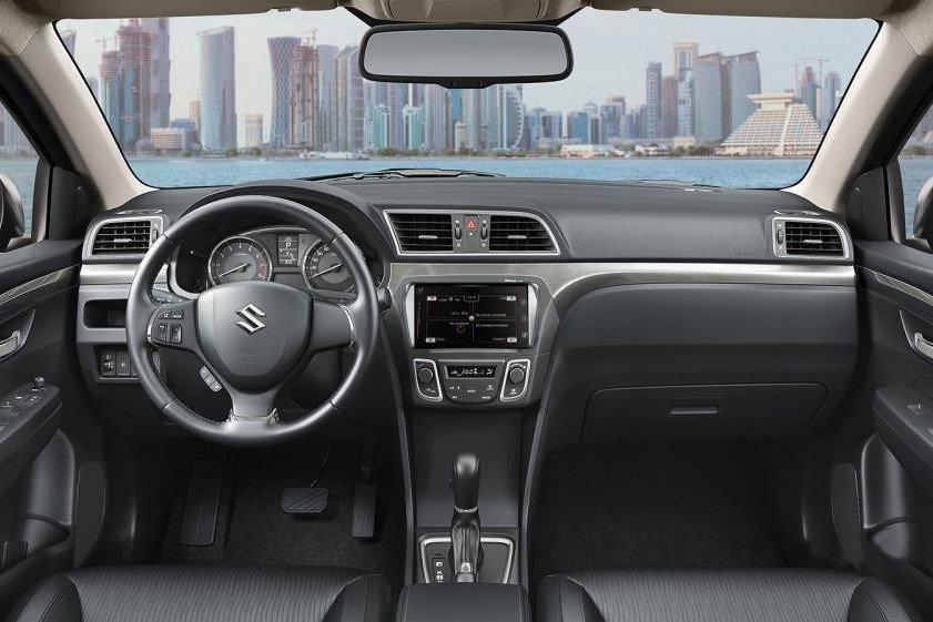 So sánh xe Hyundai Accent 2019 và Suzuki Ciaz 2019 về thiết kế bảng táp lô a2