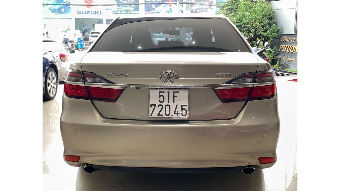 Cần bán Toyota Camry 2.5Q đời 2016 màu nâu vàng, trả trước chỉ từ 285tr, hotline: 0985.190491 (Ngọc) (6)