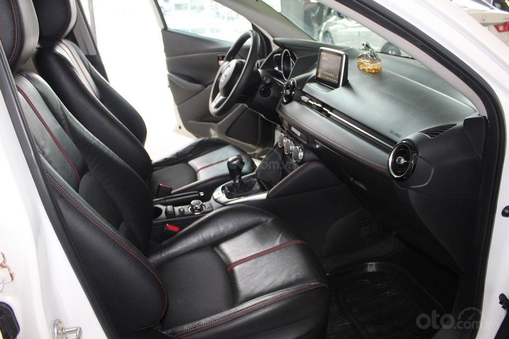 Cần bán xe Mazda 2 1.5AT đời 2017, màu trắng (6)