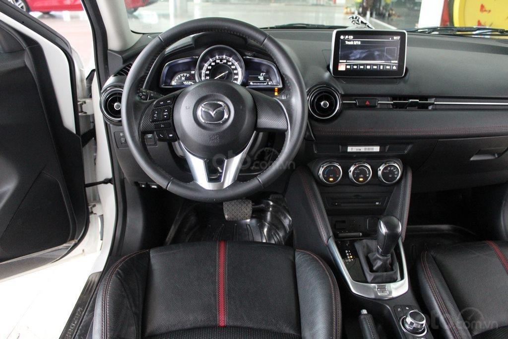 Cần bán xe Mazda 2 1.5AT đời 2017, màu trắng (9)