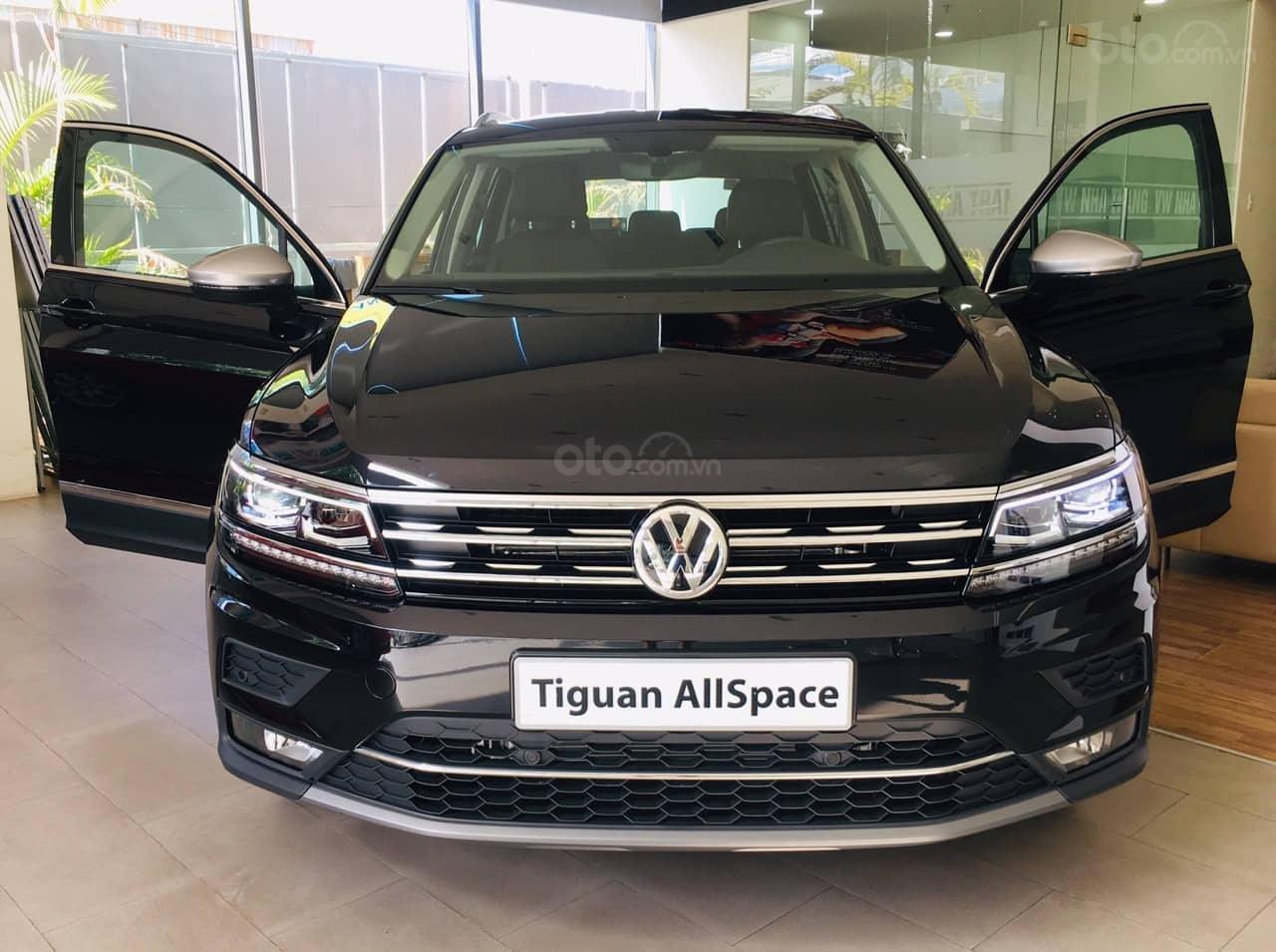 Bán Volkswagen Tiguan Allspace năm 2019, màu đen, nhập khẩu nguyên chiếc (2)