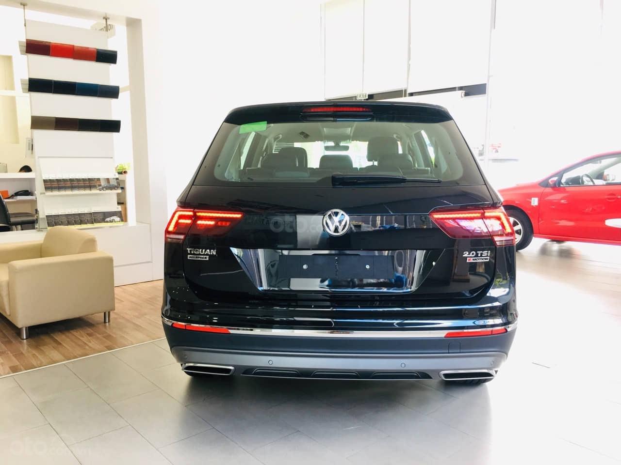 Bán Volkswagen Tiguan Allspace năm 2019, màu đen, nhập khẩu nguyên chiếc (3)