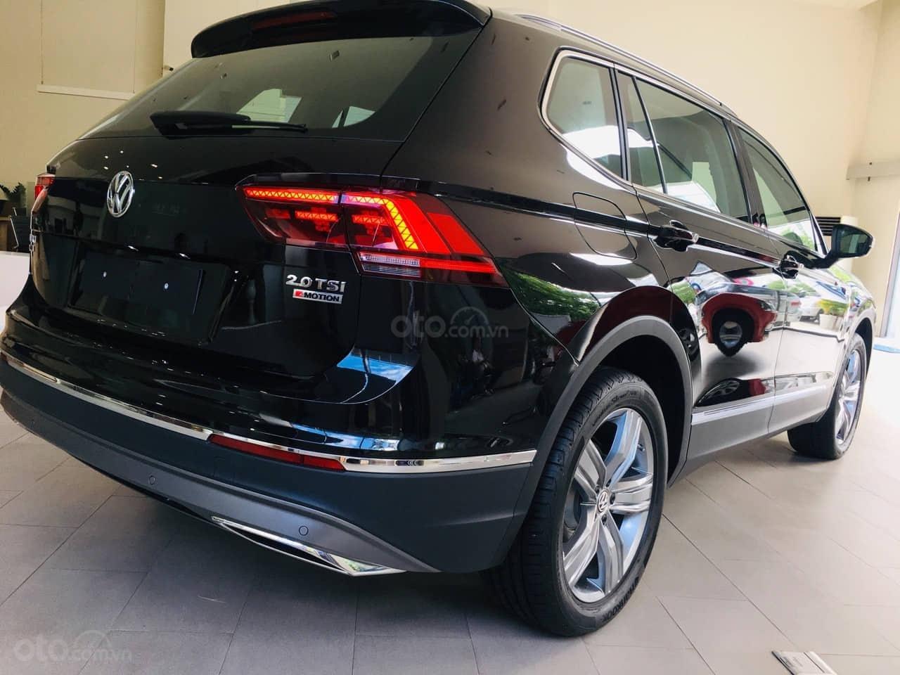 Bán Volkswagen Tiguan Allspace năm 2019, màu đen, nhập khẩu nguyên chiếc (4)