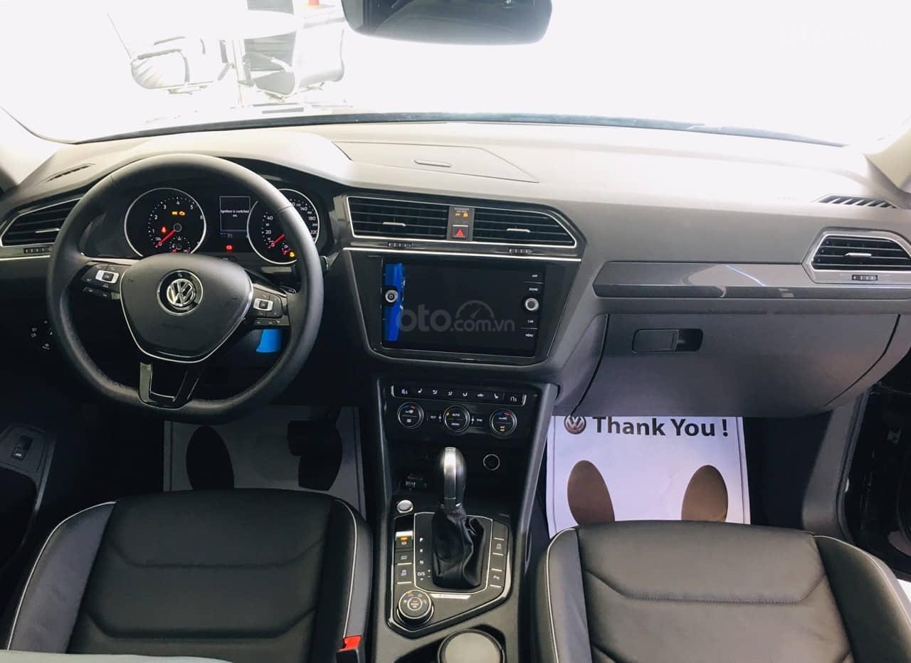 Bán Volkswagen Tiguan Allspace năm 2019, màu đen, nhập khẩu nguyên chiếc (6)