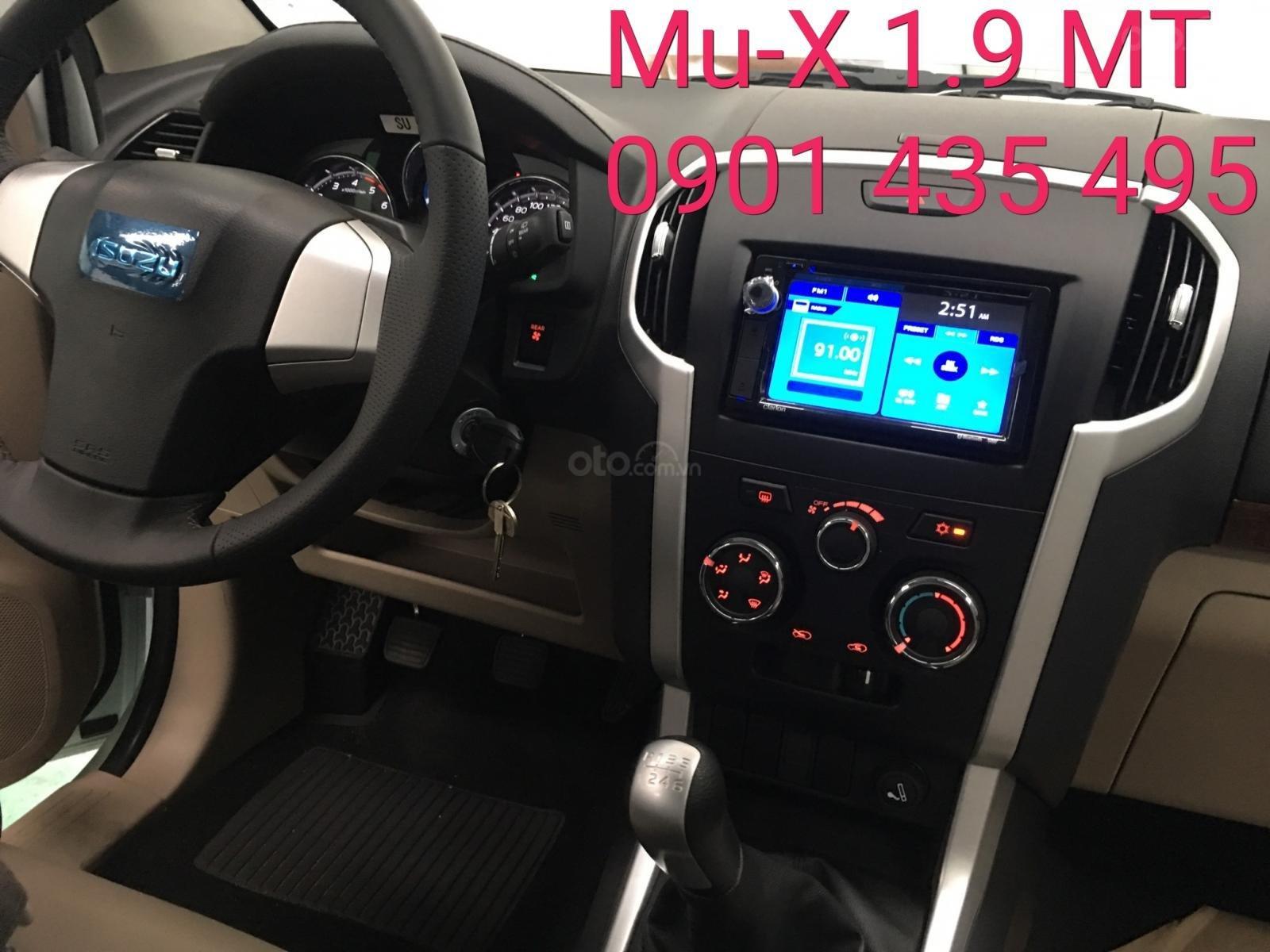 Isuzu Mu-X 2019 máy dầu, số sàn, KM BHVC, đuôi lướt giá sau, camera lùi (7)