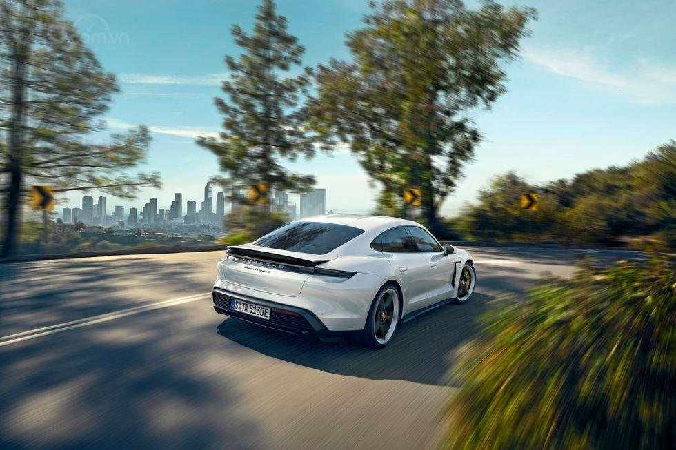 Porsche Taycan 2020.