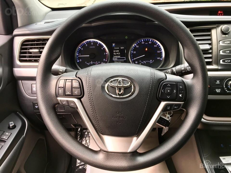 Bán xe Toyota Highlander LE 2019, màu đen, màu đỏ nhập khẩu Mỹ, LH em Hương: 0945392468 (10)