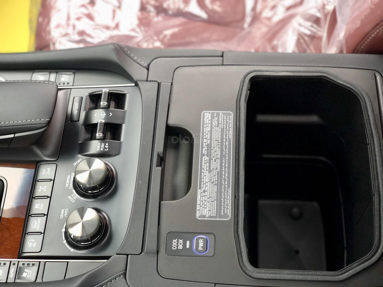 MT Auto - Cần bán nhanh chiếc xe Lexus LX 570, nhập khẩu nguyên chiếc  (16)
