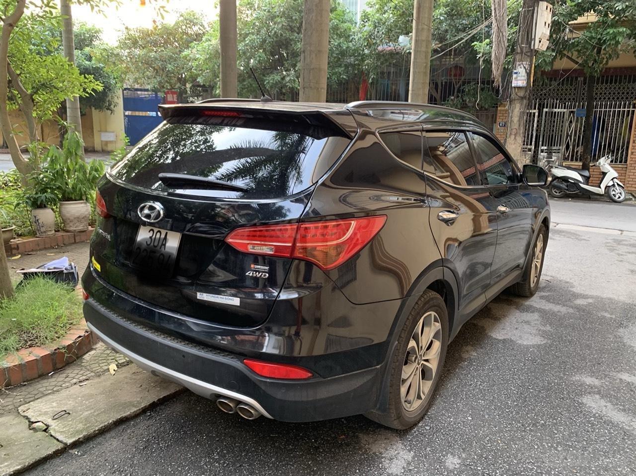 Bán Hyundai Santa Fe 4W sản xuất 2014, màu đen, nhập khẩu nguyên chiếc (7)