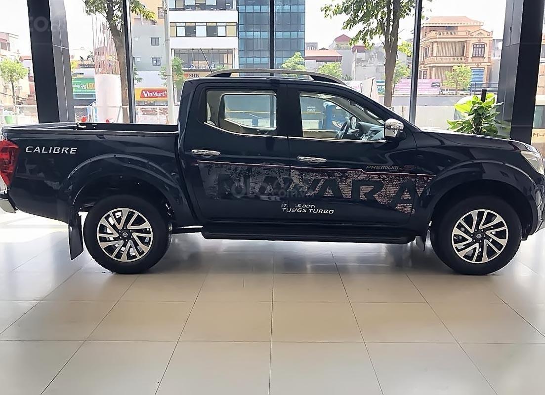 Bán Nissan Navara sản xuất 2019, màu xanh lam, nhập khẩu (2)