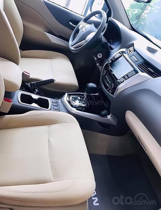 Bán Nissan Navara sản xuất 2019, màu xanh lam, nhập khẩu (5)
